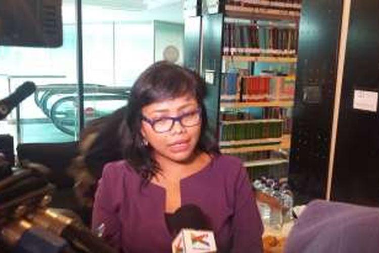 Peneliti PSHK Bivitri Susanti saat ditemui di Kuningan, Jakarta Selatan, Kamis (11/2/2016).