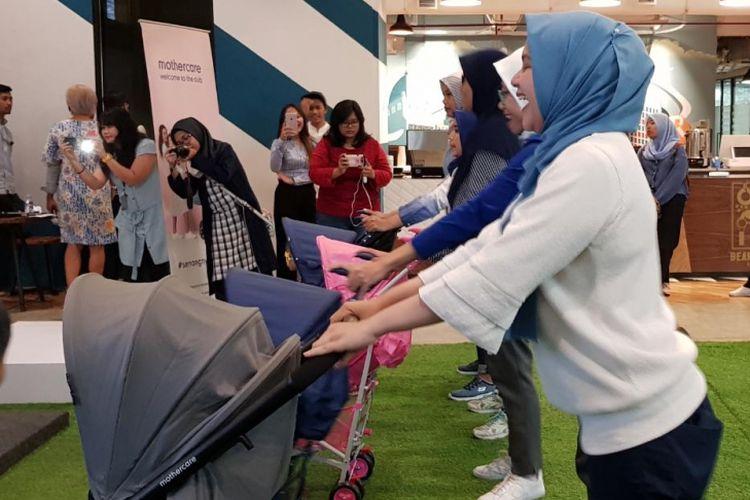 Aktivitas Get Fit With Stroller dari Mothercare, Jakarta, Kamis (4/10/2018).