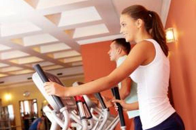 Ilustrasi berolahraga di gym