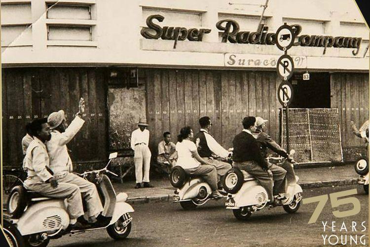 Vespa hadir di Indonesia pada tahun 1950'an dan cepat populer di kalangan penggemar lifestyle saat itu.