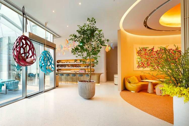 Louis Vuitton buka kafe dan restoran pertamanya di Jepang.