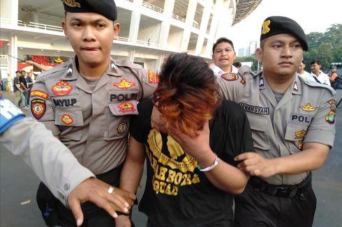 Seorang Copet Diamankan Polisi dalam Laga Persija Vs Persib