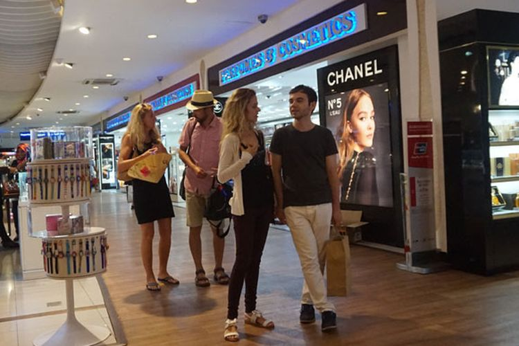 Ilustrasi: Duty free shop di Bandara Internasional Velana, Maladewa, Senin (17/7/2017).