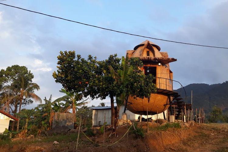Kementerian Pariwisata membangun homepod di Desa Wisata Liang Ndara, Kecamatan Mbeliling, Manggarai Barat, Nusa Tenggara Timur (NTT).