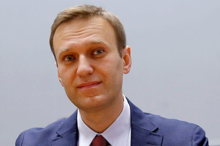 Pemimpin oposisi Rusia Alexei Navalny saat menunggu persidangan kasusnya di Strasbourg, Perancis, 15 November 2018.