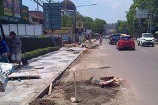 Ridwan Kamil Kecewa Proyek Trotoar Granit dan Gorong-gorong Tak Kunjung Beres