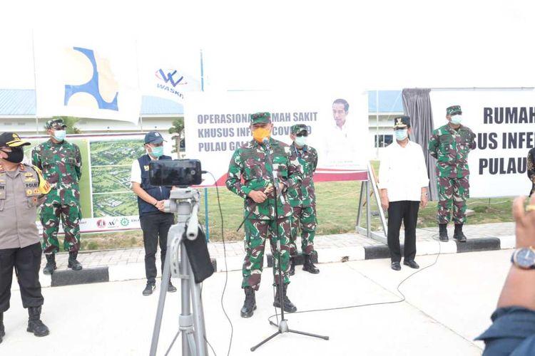 TKI dari Malaysia yang akan pulang ke Indonesia dijemput KRI Semarang. Mereka akan masuk ke Indonesia via Kepri.