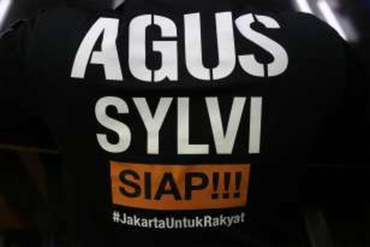 Pakaian dari calon gubernur nomor urut 1, Agus Harimurti Yudhoyono saat berbincang dengan Kompas.com di Gedung Kompas Gramedia, Palmerah Selatan, Jakarta Pusat, Kamis (3/11/2016).
