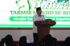 Indonesia's Former VP Suggests Mosques for Covid-19 Vaccination Sites