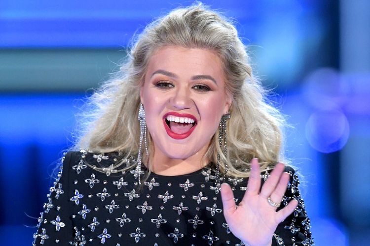 Penyanyi Kelly Clarkson memandu perhelatan 2019 Billboard Music Awards di MGM Grand Garden Arena di Ls Vegas, AS, pada 1 Mei 2019.