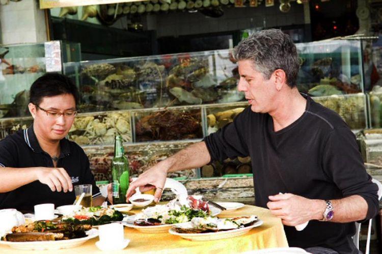 Anthony Bourdain saat syuting No Reservations di Hongkong.