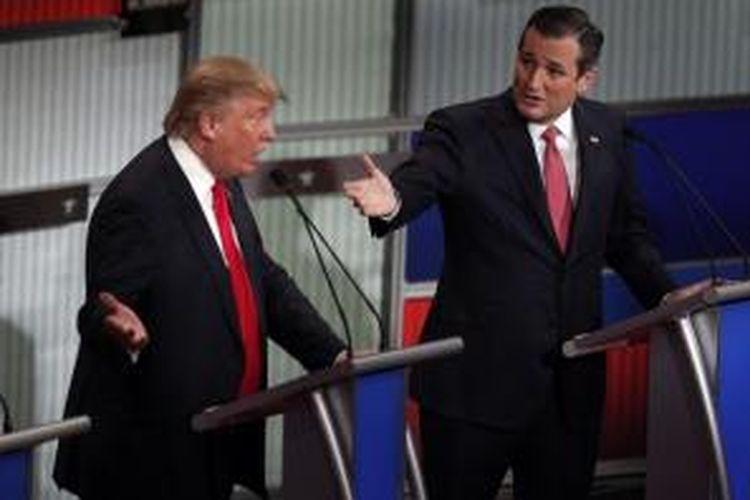 Donald Trump dan Ted Cruz berdebat di Debat Capres Republik di Charleston, South Carolina, Jumat pagi (18/01) waktu Indonesia