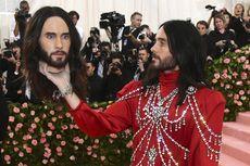 Deretan Selebritas Pria dengan Penampilan Paling Dikenang di Met Gala