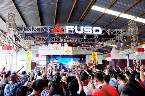 Konser Iwan Fals di Atas Truk Mitsubishi Sampai di Lampung