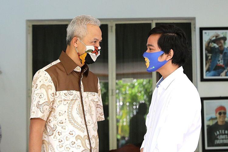 Gubernur Jawa Tengah Ganjar Pranowo saat ditemui Gibran Rakabuming Raka di rumah dinas Puri Gedeh Semarang, Rabu (14/5/2020).