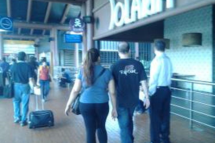 Restoran Solaria ikut ditutup pascaterbakarnya KFC di Terminal 2F Bandara Soekarno-Hatta, Tangerang, Kamis (14/8/2014).