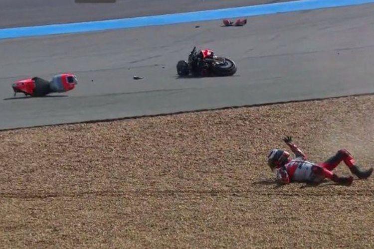 Lorenzo alami kecelakaan di sesi latihan kedua GP Thailand.