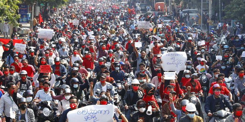 Demonstran Myanmar Serukan Mogok Massal, Junta Militer Langsung Keluarkan Ancaman
