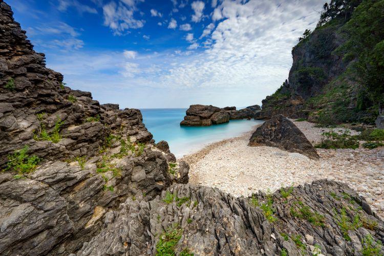 Pantai Nualunat Beach di Kupang, Nusa Tenggara Timur