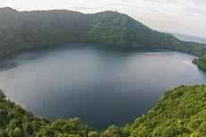 Danau Air Asin di Pulau Satonda, Luar Biasa Indahnya...