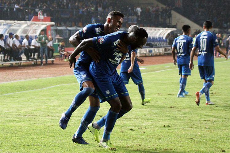 Duet penyerang Persib Bandung, wander Luiz dan Geoffrey Castillion.