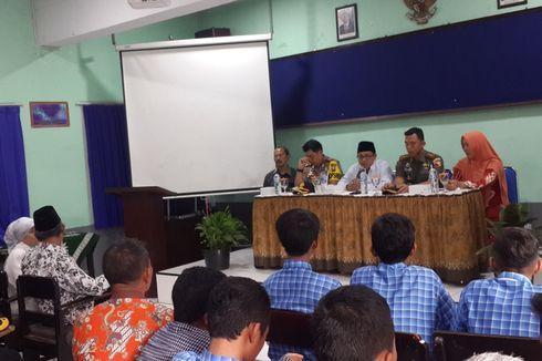 Wali Kota Malang Menangis Saat Temui Siswa Korban Pemukulan Motivator