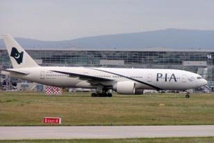 Salah satu pesawat terbang milik Pakistan International Airways (PIA).