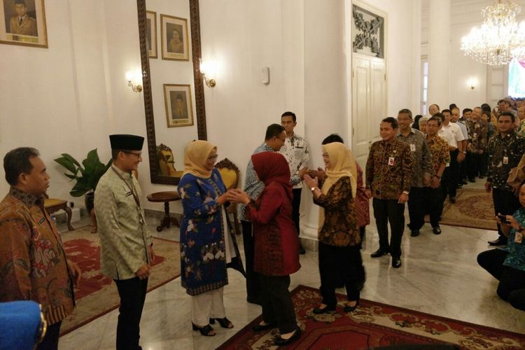 Gubernur DKI Jakarta Anies Baswedan dan Wakil Gubernur DKI Jakarta Sandiaga Uno halalbihalal bersama pegawai DKI di Balai Kota, Kamis (21/6/2018).