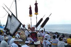 Jelang Nyepi, Umat Hindu Bali Jalani Ritual Melasti