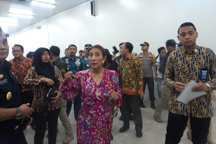 Menteri Kelautan dan Perikanan Susi Pudjiastuti ketika meninjau cold storage di Muara Baru, Jakarta, Kamis (10/10/2019).