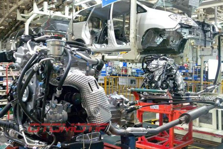 Produksi Toyota di pabrik Karawang, Jawa Barat.