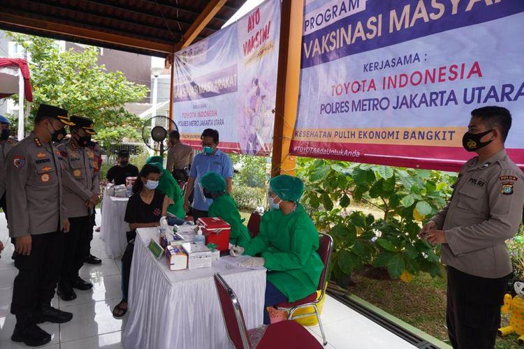 Toyota Indonesia menyelenggarakan program vaksinasi Covid-19 bagi masyarakat luas.