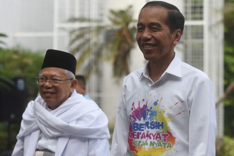 Bakal capres cawapres Pilpres 2019, Joko Widodo (kanan) dan Maruf Amin tiba di RSPAD untuk menjalani tes kesehatan yang diselenggarakan KPU, Jakarta, Minggu (12/8). ANTARA FOTO/Akbar Nugroho Gumay/foc/18.