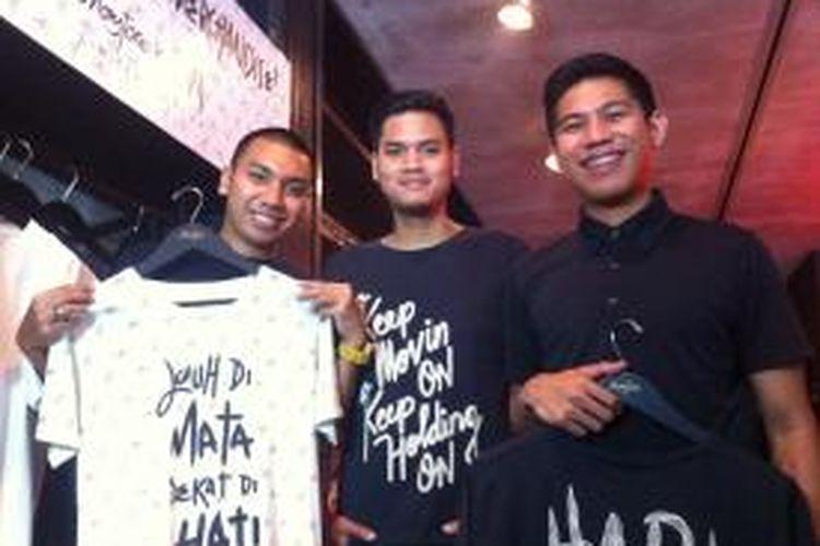 Trio RAN diabadikan dalam acara peluncuran merchandise resmi mereka, yang dititipjualkan di toko busana Monstore, Jalan Kemang Raya, Jakarta Selatan, Selasa (16/9/2014).