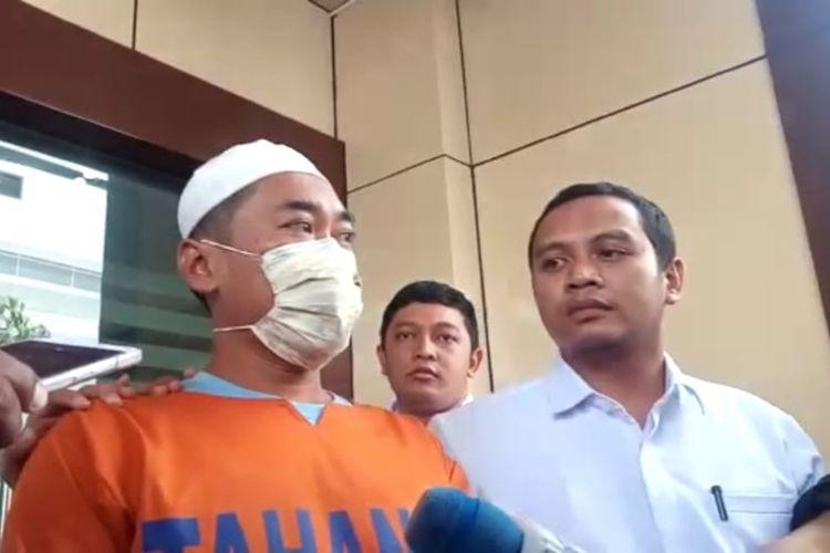 Syamsul Arifin, tersangka ujaran rasial terhadap mahasiswa Papua di asrama Jalan Kalasan, Surabaya, Jawa Timur.