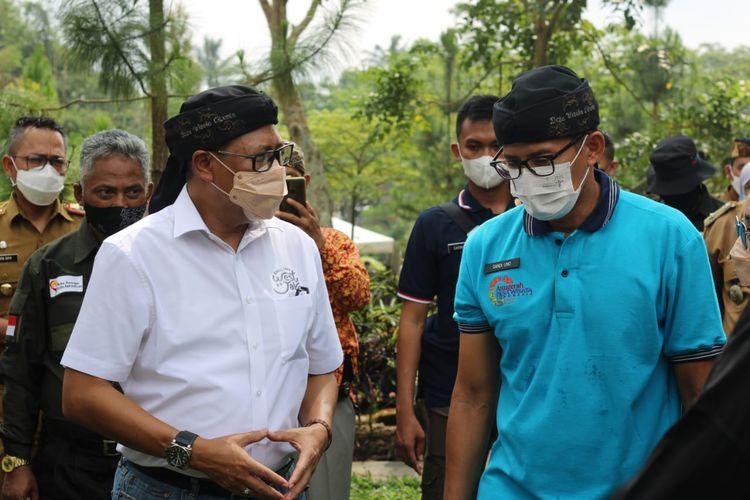 Kepala Disparbud Jabar Dedi Taufik saat bertemu Menteri Pariwisata dan Ekonomi Kreatif Sandiaga Uno beberapa waktu lalu.