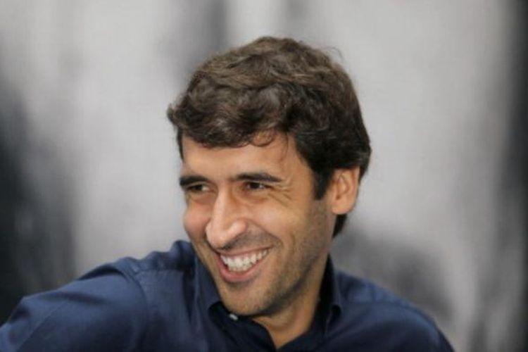 Legenda hidup Real Madrid yang kini bermain di Al-Sadd, Raul Gonzalez.