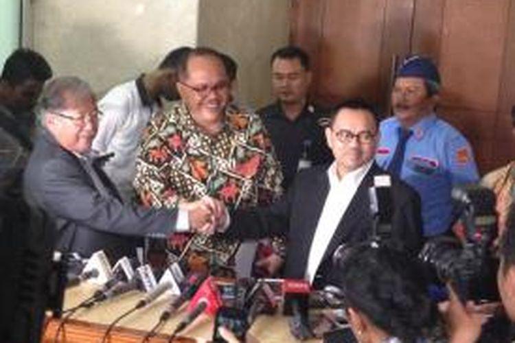 Menteri Energi dan Sumber Daya Mineral Sudirman Said seusai melaporkan anggota DPR pencatut nama Presiden dan Wapres ke Mahkamah Kehormatan Dewan, Senin (16/11/2015).