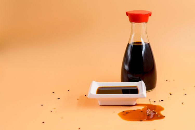 Ilustrasi kecap asin Jepang.