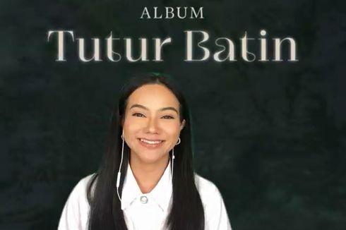 Rilis Album Tutur Batin, Yura Yunita Sengaja Tampil Tanpa Riasan Wajah di Foto Sampul