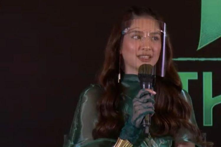 Mikha Tambayong dalam konferensi pers film Raya and the Last Dragon.