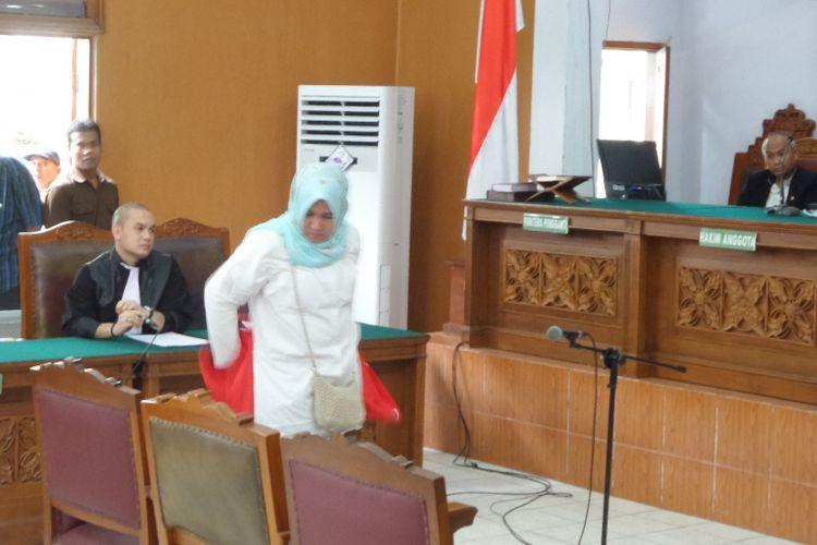 Persidangan dengan terdakwa Asma Dewi di Pengadilan Negeri Jakarta Selatan, Selasa (5/12/2017).