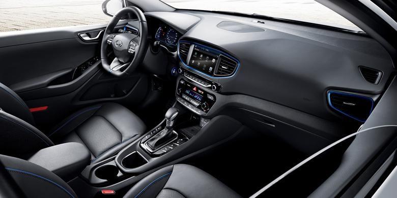 Interior, mirip mobil kebanyakan.