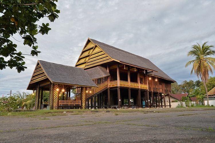 Rumah Raja Luwu di Palopo DOK. Shutterstock/Syamsul Alam