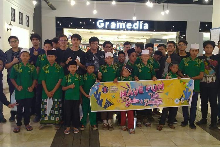 Pribadi Bilingual School Bandung menggelar kegiatan tahunan Santunan Yatim dan Dhuafa 2020. Tahun ini gelaran mengangkat tema Have Fun with Yatim & Dhuafa dalam kemasan acara dengan nuansa hiburan spesial untuk yatim dan dhuafa (15/2/2020).