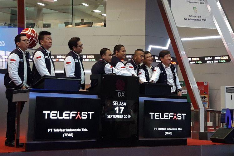 Jajaran Direksi PT Telefast Indonesia Tbk (TFAS) dalam pencatatan saham perdana di Bursa Efek Indonesia (BEI), Jakarta, Selasa (17/9/2019).