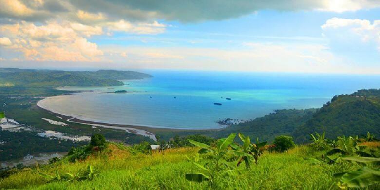 Geopark Ciletuh di Kabupaten Sukabumi, Jawa Barat