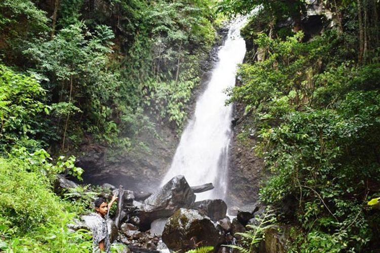 Pesona Air Terjun Tunaohok di Desa Wairterang, Kecamatan Waigete, Kabupaten Sikka, Flore. Nusa Tenggara Timur (NTT) yang menakjubkan, Rabu (24/4/2019).