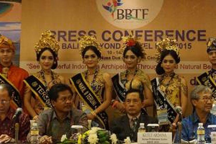 Jumpa pers di ajang Bali and Beyond Travel Fair (BBTF) 2015 di Bali Nusa Dua Convention Center, Nusa Dua, Kamis (11/6/2015). Dari kiri ke kanan: Deputi Pengembangan Pemasaran Pariwisata Luar Negeri Kementerian Pariwisata I Gde Pitana, Wakil Gubernur Bali I Ketut Sudikerta, Ketua Penyelenggara BBTF 2015 Ketut Ardana, Ketua Bali Tourism Board Ida Bagus Ngurah Wijaya. BBTF 2015 berlangsung hingga Sabtu (13/6/2015). BBTF adalah acara pameran pariwisata tahunan yang diadakan setiap bulan Juni berkenaan dengan Pesta Kesenian Bali.