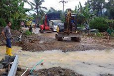 Diguyur Hujan Lebat, Jalinbar Sumatera Putus Akibat Longsor dan Banjir